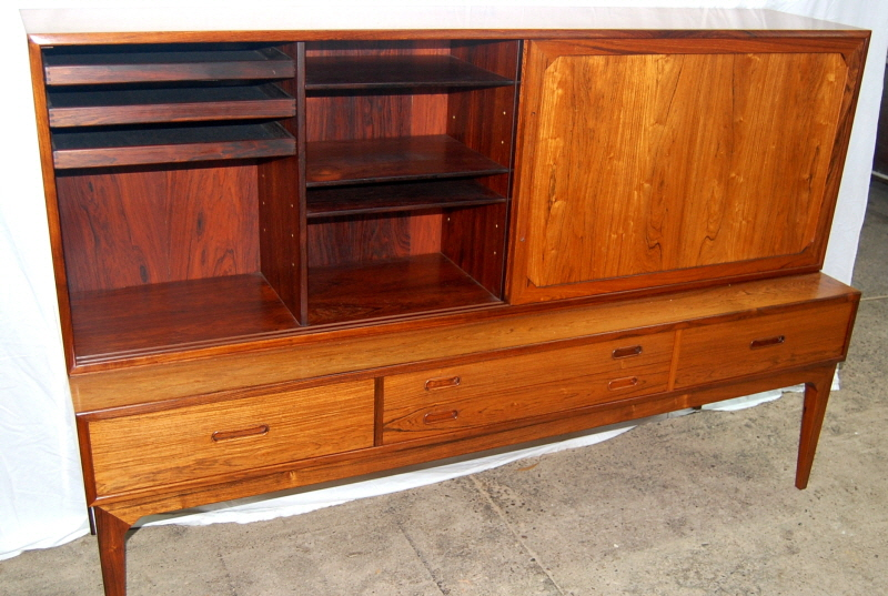 Sideboard showing left-hand top section with shelves